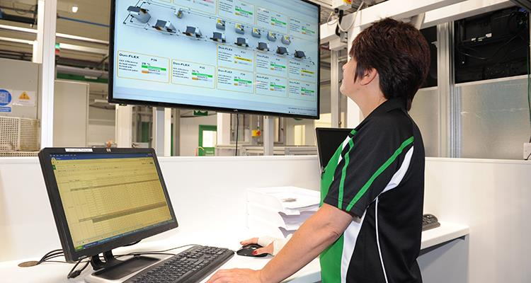 Looking at labs: The motormen driving forward Specsavers