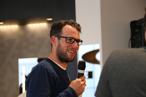 dd8b24bfcd Mark Cavendish wear the Milestone at the launch in Vision Express