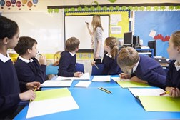 Schools should be better linked to CAHMS