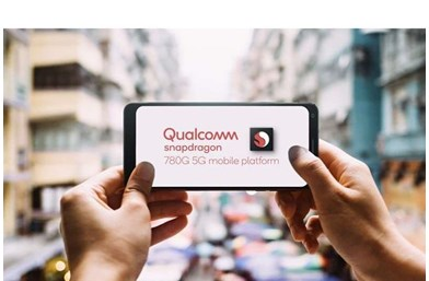 User holding up mobile with Qualcomm 780g logo