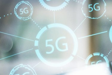 5G devices exceed 900 for first time