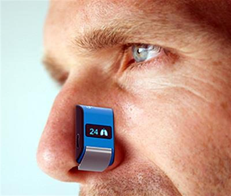 wearable device measures pulse and respiration