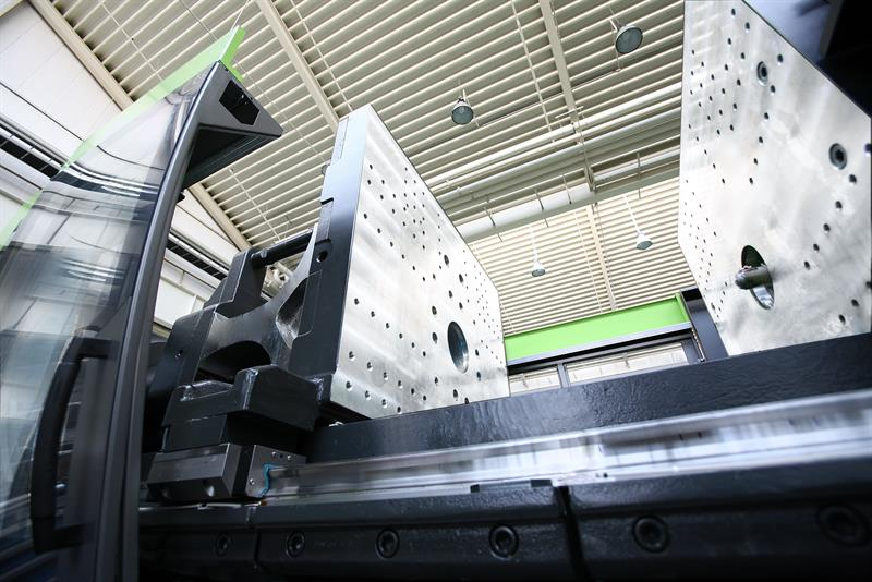 Cheaper carbon fibre: injection moulding thermoplastic and