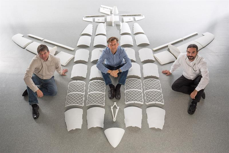 Detlev Konigorski, centre, wanted to 3D print a flying testbed