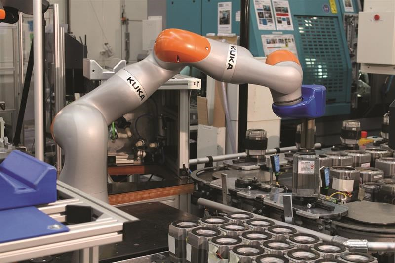 Machinery - Cobots, collaborative robots, as an alternative to
