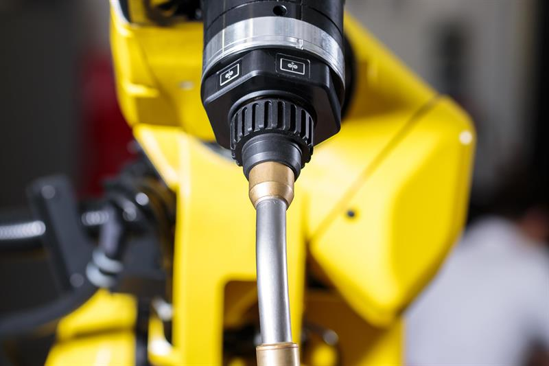 Machinery - FANUC's ARCMate 100iD/10L welding robot has