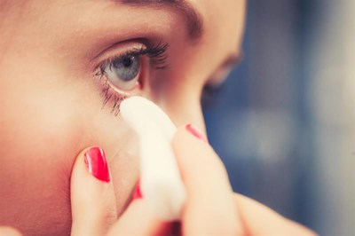44% of women have left makeup on overnight