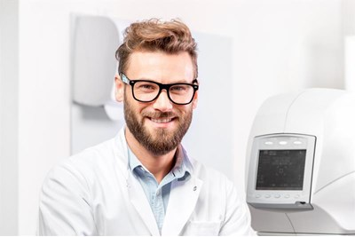 Optometrist with assessment equipment